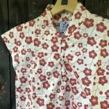 camicia bottoni cotone bio fiori rossi fronte